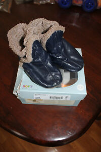 Blue Robeez Booties 12-18m