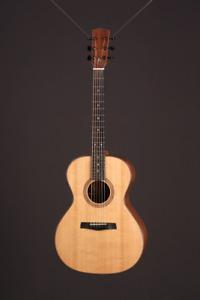 Guitares acoustiques, luthier - Vente d'inventaire