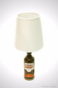 'SOUTHERN COMFORT LIQUOR' VINTAGE LABEL Bottle Lamp