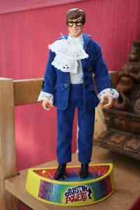 Austin Powers doll on base - speaks phrases