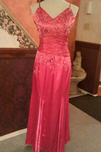 evening, prom/ grad dress London Ontario image 2