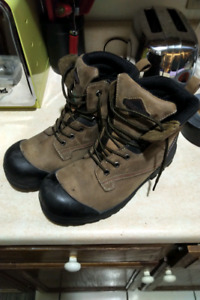 Mens steel toe boots size 10 like new