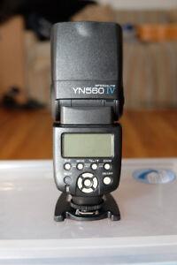 YONGNUO Speedlite YN560 IV Flash.