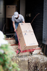 MOVING? BOOK MOVERS NOW! - Book Now Get 10 Free Frogboxes