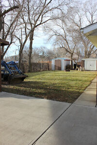 Maple Creek House: Multiple upgrades and move-in ready!