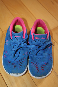 Girls size 1 Champion running shoes $5 firm
