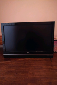 "LG 42"" HDTV *****pending pick up this evening*****"
