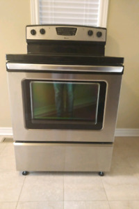 Stainless steel Amana Self Cleaning Stove