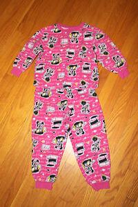 Minnie Mouse flannel pj set - size 5