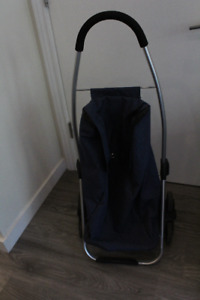 Rolling shopping trolley - Great condition