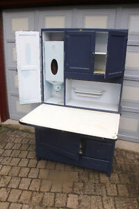 ANTIQUE    HOOSIER   CABINET   from the  30 's Kitchener / Waterloo Kitchener Area image 4