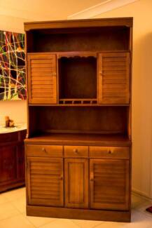 Country Style Buffet & Hutch