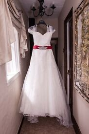 Opulence wedding dress & accessories size 16