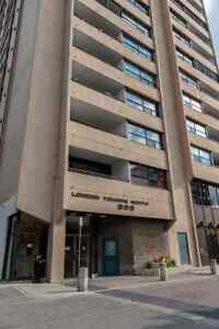 Executive Condo in The London Towers London Ontario image 1