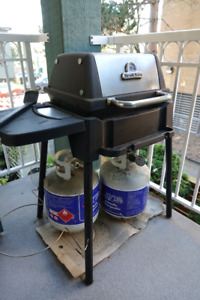 Apartment Size BBQ and 2 Propane Tanks