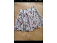 SIZE 8 FLORAL RIVER ISLAND SKIRT