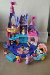 Fisher-Price Little People Disney Princess Songs Palace plus Ari