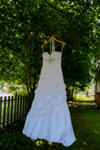 Wedding dress - size 5