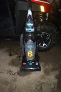 Vacuum Cleaner (Bissell)