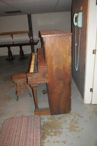 MOZART PIANO #1500 FOR SALE London Ontario image 2
