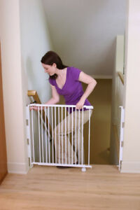 Expandable baby / pet gate