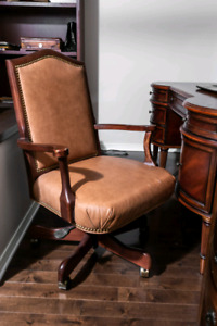 Bombay desk and chair