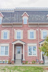 3-Storey Freehold Townhouse 3 Bed / 3 Bath