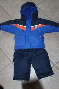 Snowsuit Size 6-12 months