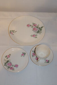 Alfred Meakin Spring Rose England 3 piece set