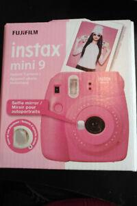 Fujifilm Instax Mini 9 Pink - Plus comic-framed instant film