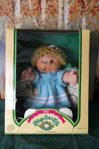 1985 Coleco Cabbage Patch Kid 'Mala Prudence' NIB Cambridge Kitchener Area image 1
