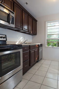 LARGE RENOVATED 2 BR CLOSE TO QEII, DALHOUSIE & DOWNTOWN