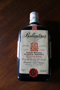 BALLANTINES SCOTCH BOTTLE TRANSIST0R RADIO 1960's