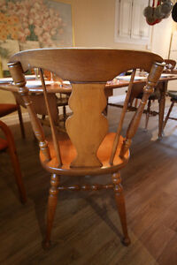 Wood Dinning Table 4 to 10 people + 4 chair West Island Greater Montréal image 7