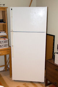 Hotpoint fridge - Like New!