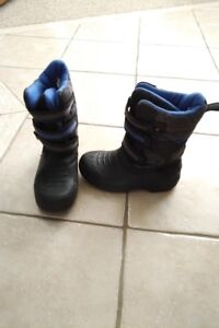Like-new! Boy's Winter Boots, Size Youth 2