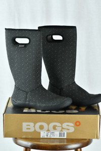 Bogs - Womens Size 7, Like New in Box