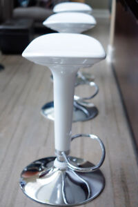 3 White Bar Stools with Hydraulic adjustments