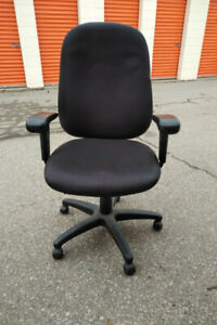 Used Ergonomic Chair in Excellent Condition, Call us!