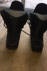 Size 9 US snowboarding boots
