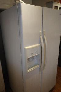 Kenmore Fridge/Freezer Side-by-Side