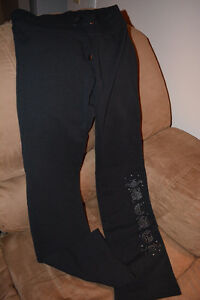 BCBG sweat pants and sweat shirt with zipper North Shore Greater Vancouver Area image 2