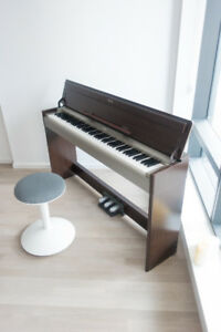 YAMAHA YDP-S31 Digital Piano for Sale. Carefully Maintained.