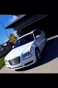 2013 Chrysler 300C WHITE