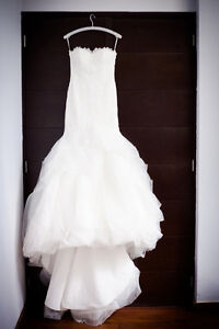 ****BEAUTIFUL Wedding Dress - Size 2- Pronovias Downtown-West End Greater Vancouver Area image 4