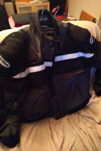 MOTORCYCLE PROTECTIVE CLOTHING,BOOTS+HELMET