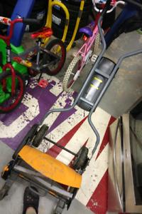 Fiskars StaySharp Max Reel Lawn Mower, 18-in Used