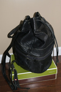 LEATHER BACKPACK - DUFFLE