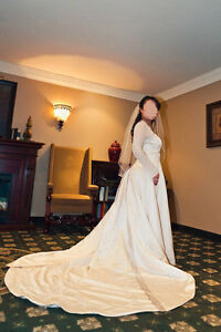 Wedding Dress - bell sleeves and halter neckline Size 16