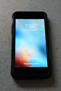 Mint Condition iPhone 6 w. Otterbox!